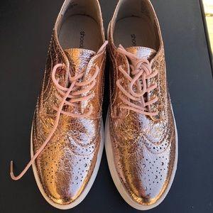 Shoe dazzle rose gold oxfords